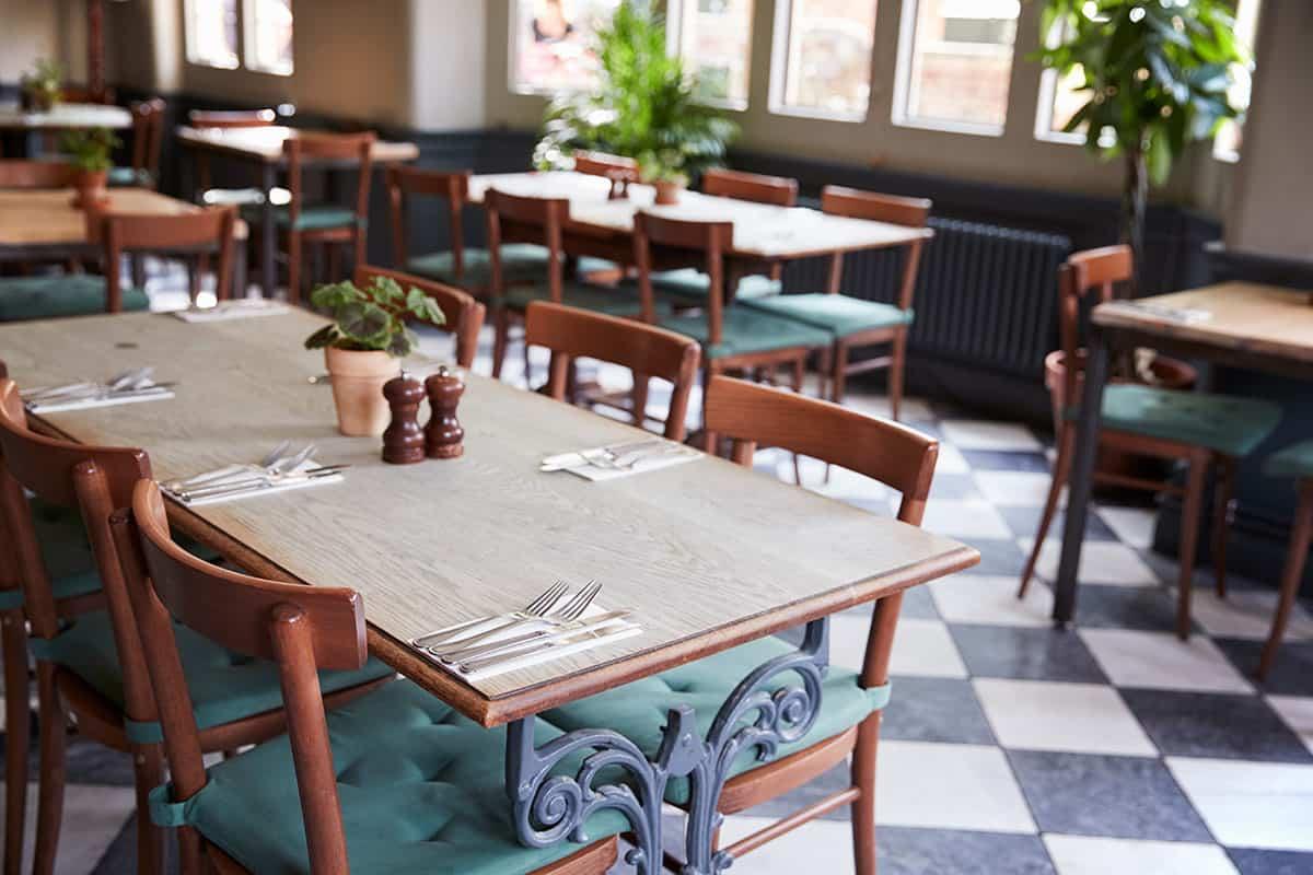 Акустика на заведения - било то ресторанти, кафенета или нощни клубове, всеки един тип от тях се нуждае от добра акустика, която обикновено върви с изграждане на шумоизолация.